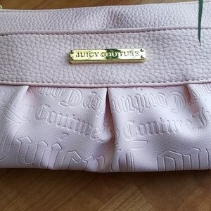 Juicy Couture Bags - 💥sale 💥Juicy Couture wristlet